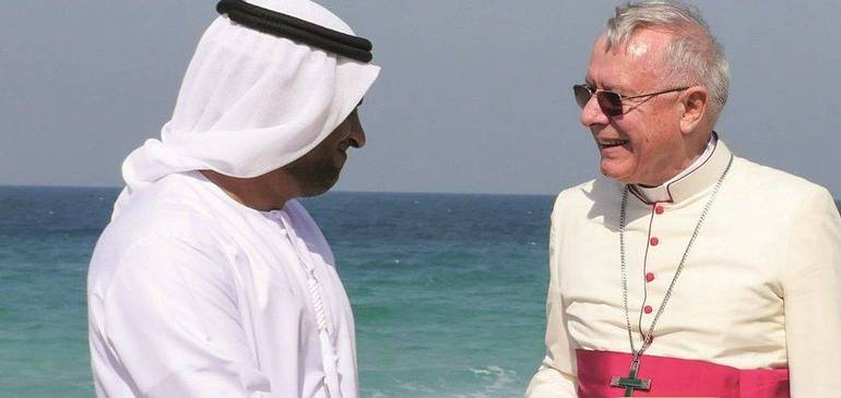 Mons. Paul Hinder: Un vescovo svizzero vicario negli Emirati Arabi